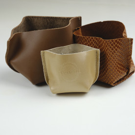 Vide poche marron glacé en cuir recyclé made in Tarn